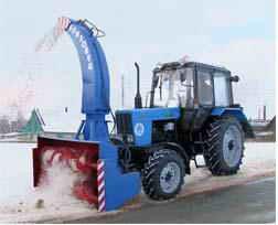 Трактор Беларус -82.1 в комплектации со снегоротором СШР-2,0 П